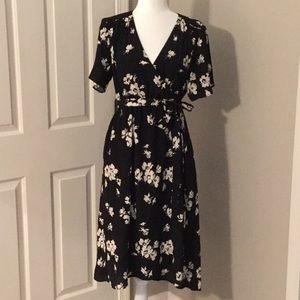 NWOT Gap Maternity Faux Wrap Midi Dress